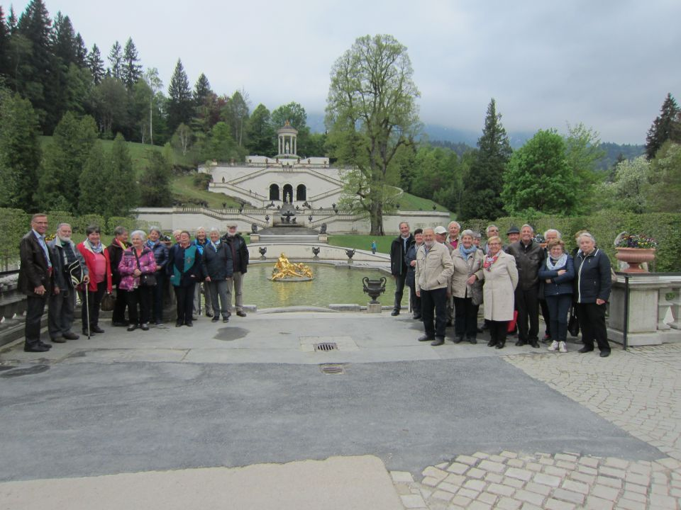 Senioren im bayerischen Königsschloss