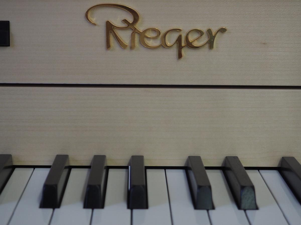 Orgeln sind ein Zusammenspiel von Kunst-u. Handwerk – Seniorenbund besucht Rieger Orgelbau in Schwarzach
