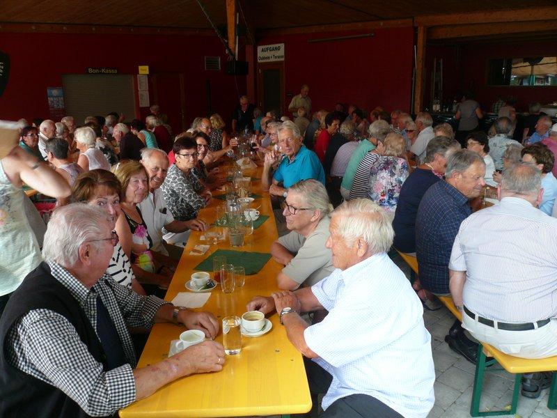 Grillfest für die Höchster Senioren