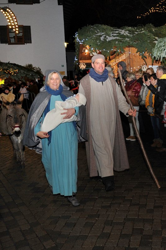 Seniorenbund Höchst am Weihnachtsmarkt in Bad Hindelang - Image 11