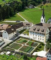 Führung und Weinprobe in der Propstei St. Gerold